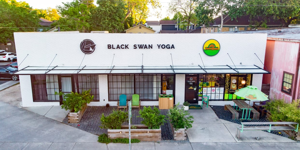 Black Swan Yoga Houston Read Reviews And Book Classes On Classpass