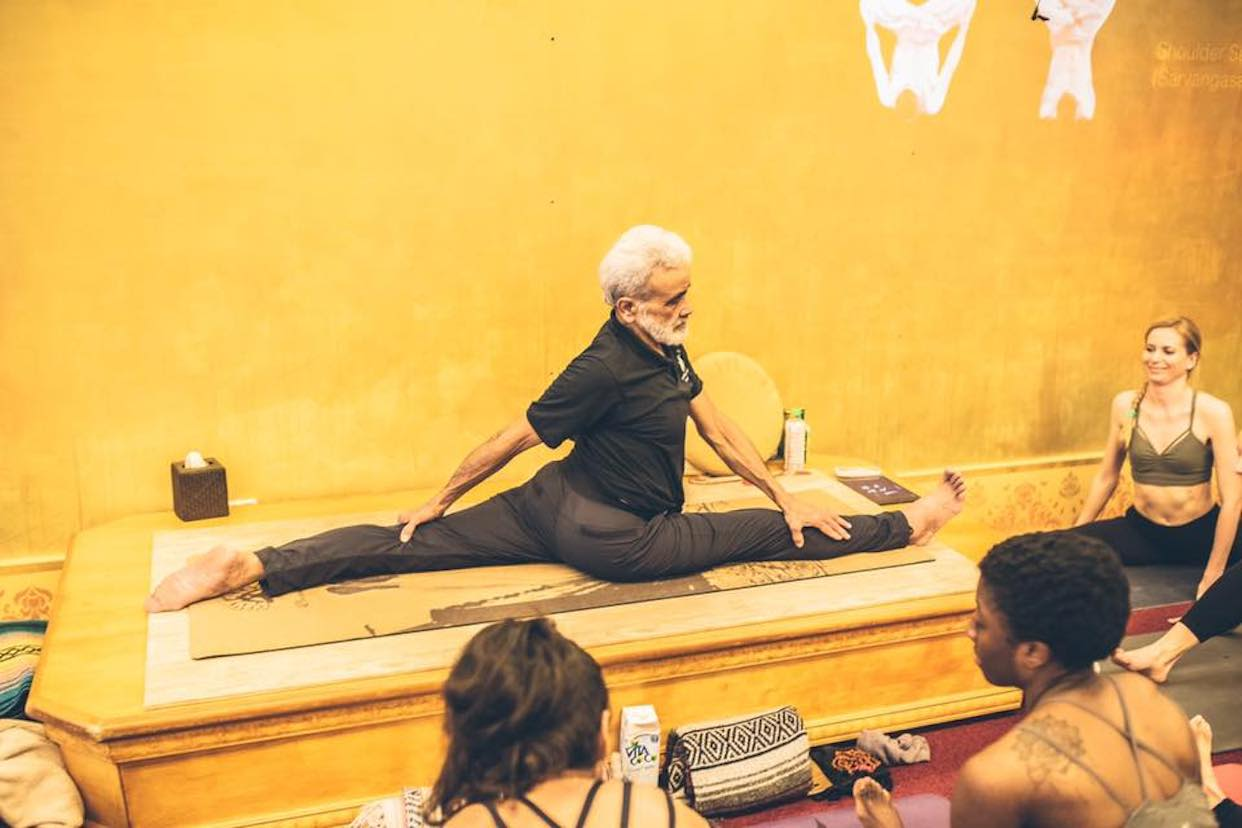 Dharma Yoga New York Center Read Reviews And Book Classes On Classpass
