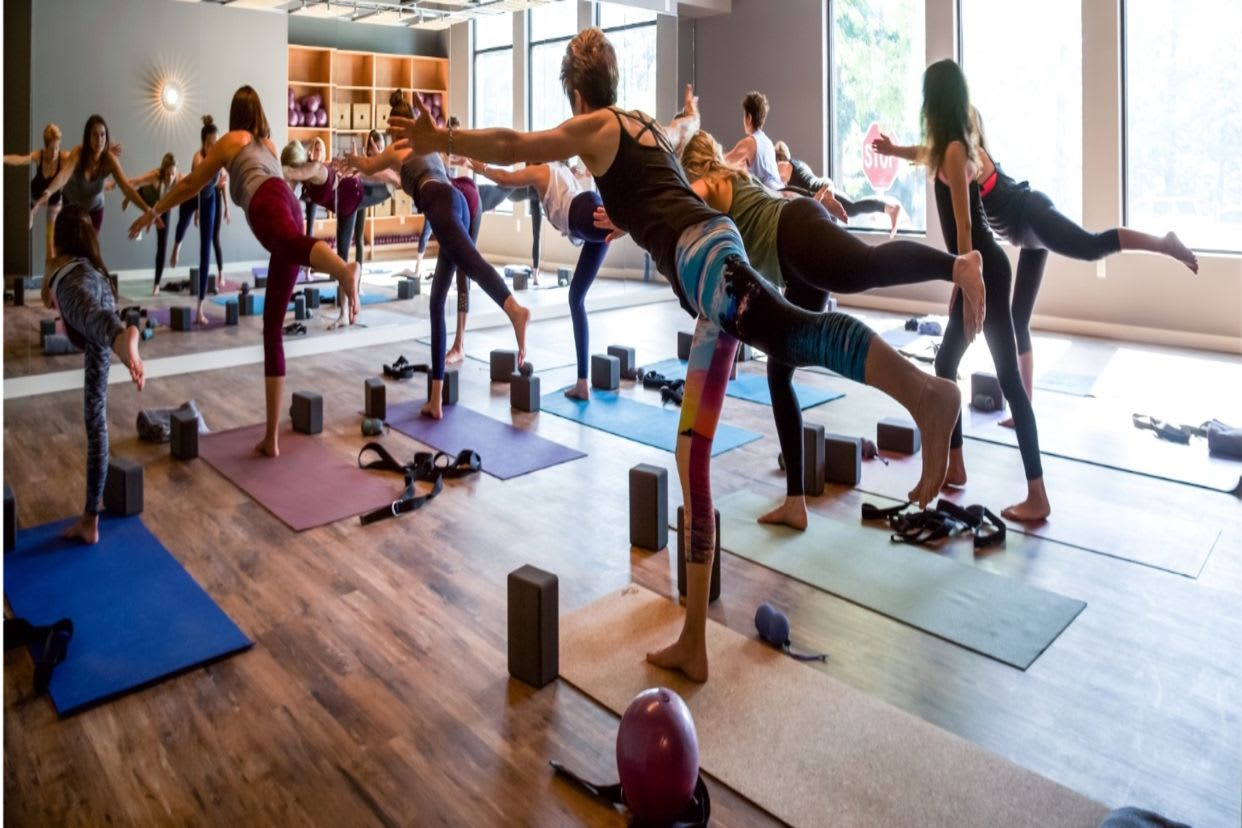 Virtual Dynamic Flow At Oya Yoga Read Reviews And Book Classes On Classpass